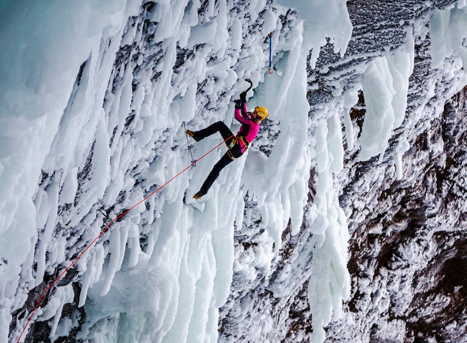 News – Berghaus Mixed-Climbing-Expedition: Berghaus-Athletin Angelika Rainer durchsteigt 'Clash of the Titans'