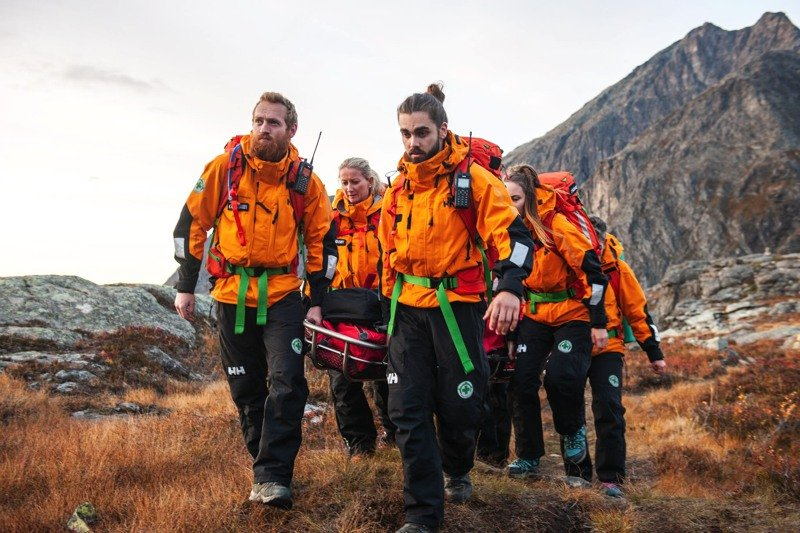 "News – Helly Hansen, American Magic Team & Norwegian People's Aid: ""Trust is Earned"" – Vertrauen als Basis für maximale Erfolge"
