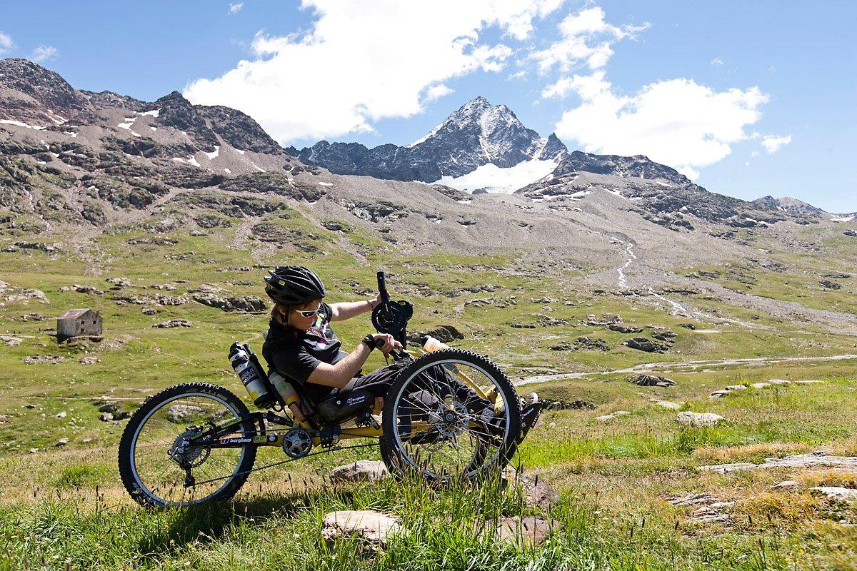 Berghaus – Felix Brunner: Erste erfolgreiche Alpenüberquerung mit dem Handbike