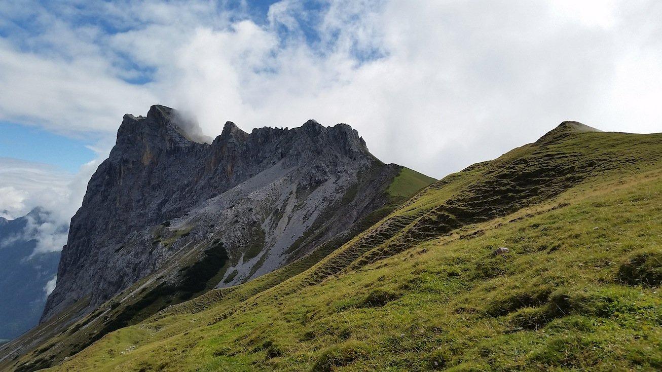 Ziele – Gehrenspitze (2.367m): Anspruchsvolle Rundtour im Wettersteingebirge oberhalb des Leutaschtal
