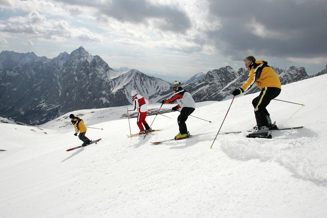 Winter – Deutscher Skilehrerverband (DSLV): Experten-Tipps für einen optimalen Start in die Wintersaison 2014/15