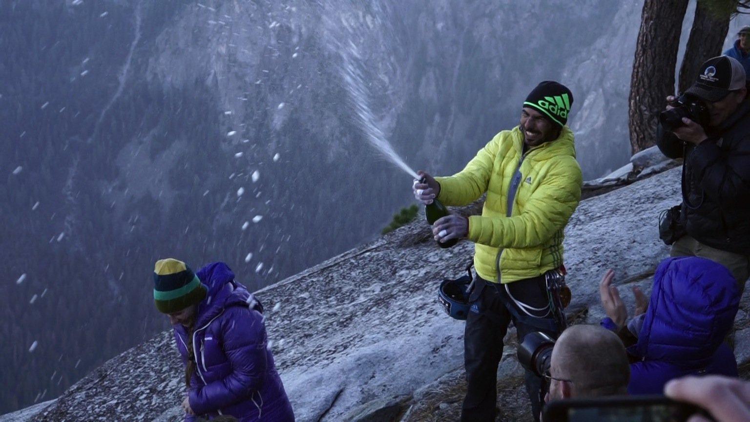 "News – La Sportiva / adidas outdoor / Patagonia: Tommy Caldwell und Kevin Jorgeson bezwingen ""Dawn Wall"" im Yosemite Valley"
