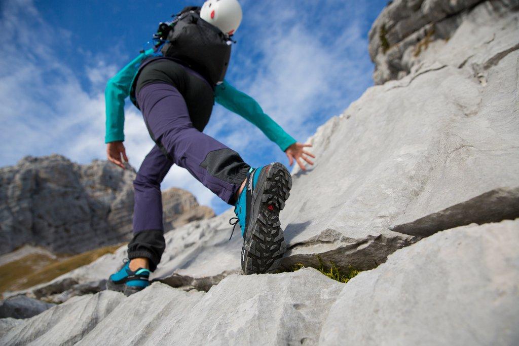 News – SALOMON Sommerkollektion 2016: Die weibliche Seite des Alpinismus – komplettes Outfit für Bergsportlerinnen