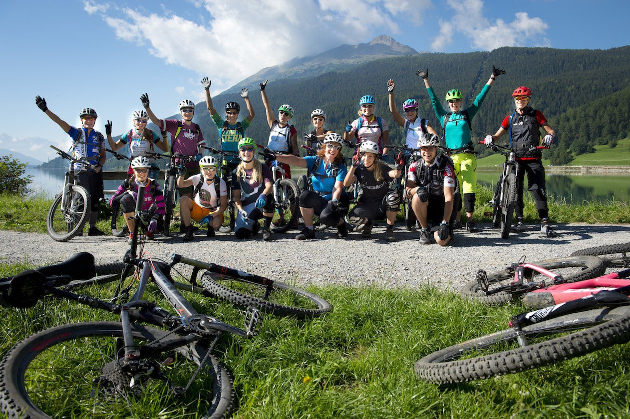 Erfahrungsbericht – Womens' Bike Camp am Reschensee: Bike hard & relax smart – Frauenpower auf den MTB-Trails