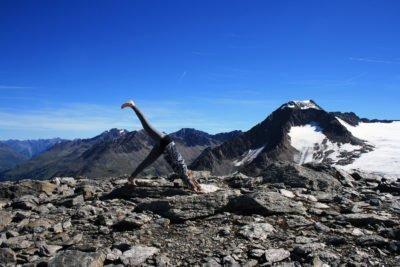 Testbericht Super Natural: Perfekt geeignet für die Yoga Session am Berg (© airFreshing.com)