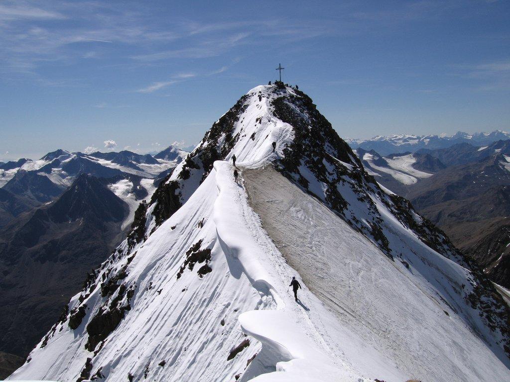 Erfahrungsbericht – NepalHilfe Tirol: Mit Wolfgang Nairz und Tashi Tenzing Sherpa vom Dach der Welt aufs Dach von Tirol