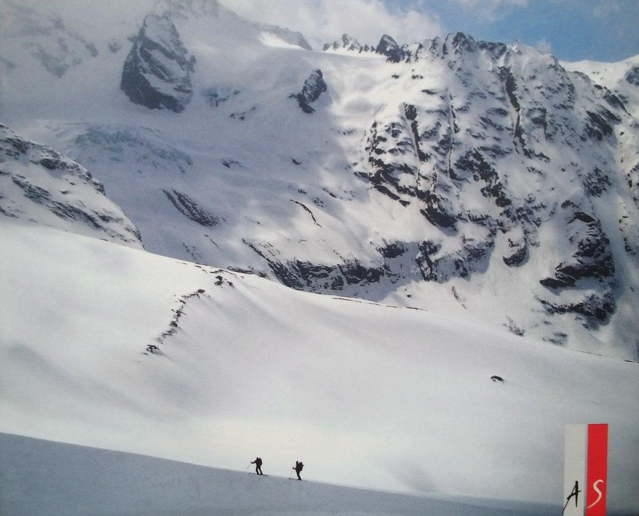 Rezension – AS Verlag / Mario Casella: Schwarz Weiss Schwarzes Abenteuer – eine Skitour quer durch den Kaukasus