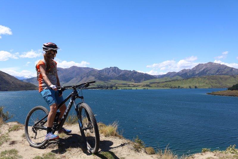 Testbericht – Mons Royale Sommer- & Bike-Kollektion: MTB, Outdoorsport & Merino – eine sattelfeste Liaison für Frischluftfreunde