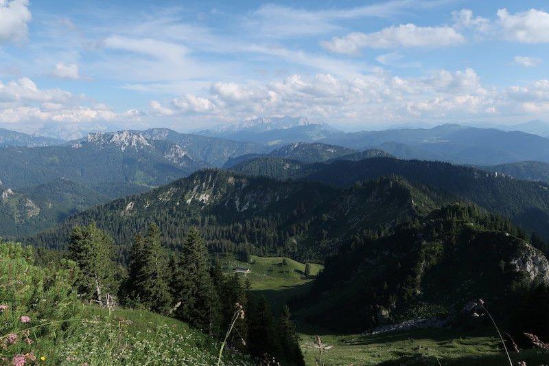 Ziele – Hochgern (1.748m): Mittelschwere Bergtour in den Chiemgauer Alpen mit Blick aufs Kaisergebirge