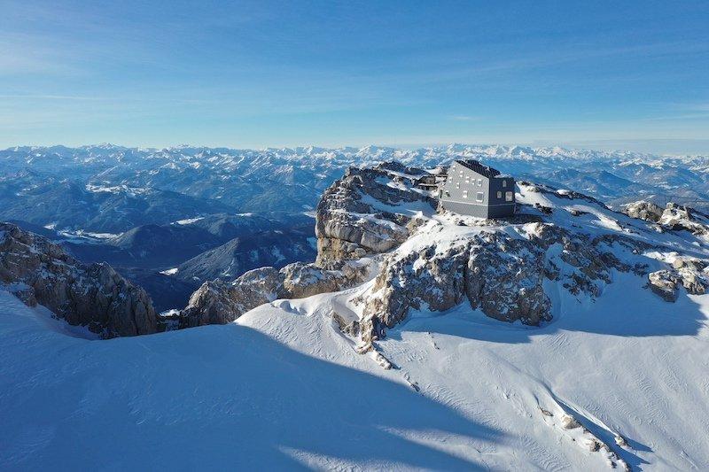 """News – Österreichischer Alpenverein (ÖAV): Neue Seethalerhütte (2.740 m) am Dachstein zum Januar 2019 """"wiedereröffnet"""""""