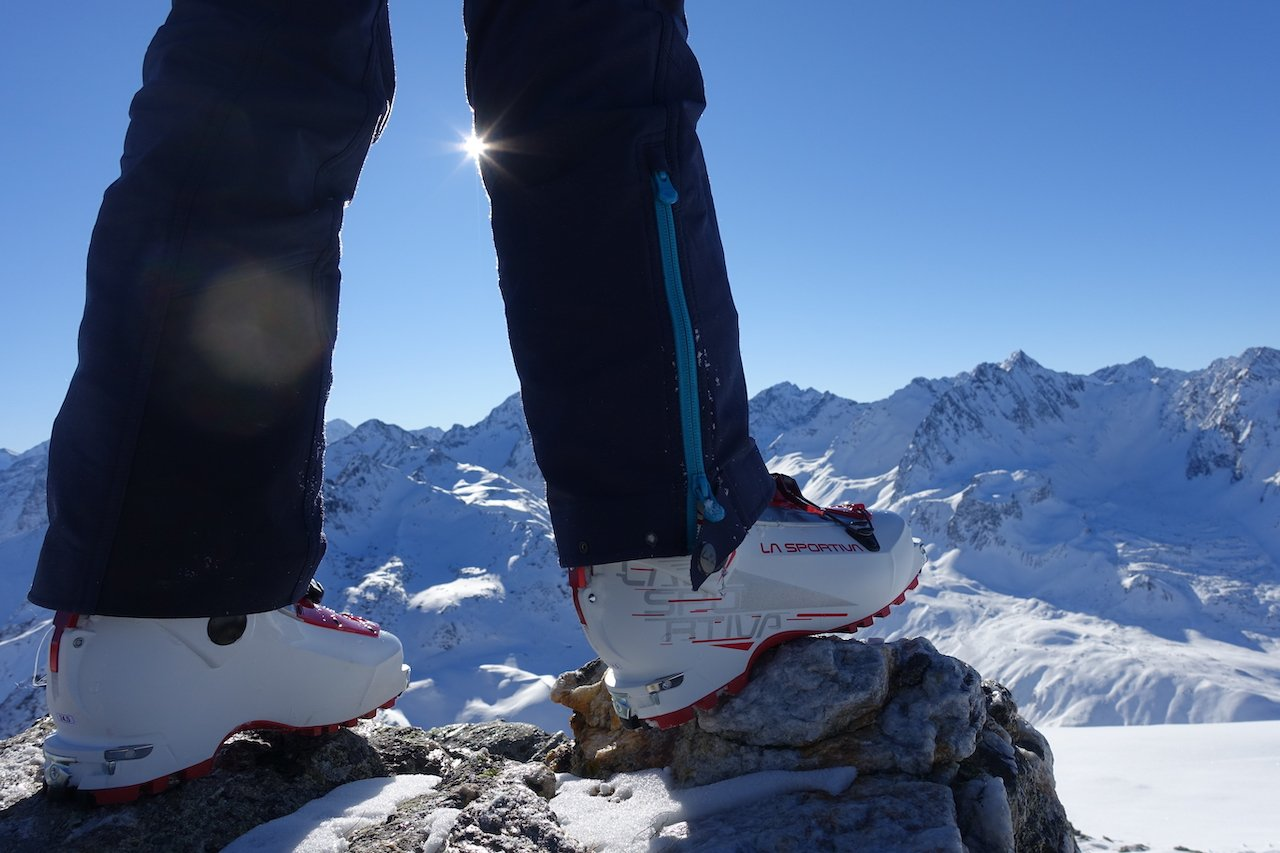 Testbericht – La Sportiva Stellar: Leichter, vielseitiger Skitourenschuh für perfekte Backcountry-Abenteuer
