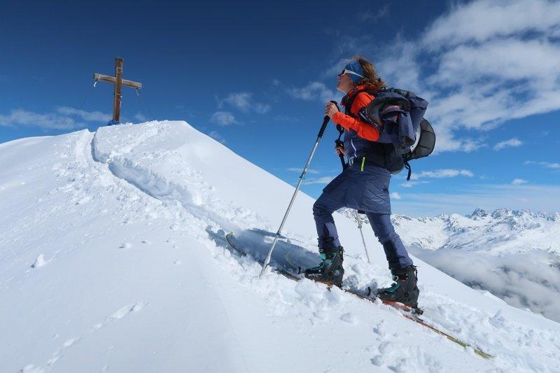 Testbericht – Schöffel Winterkollektion 2019/20 Damen: Komplettset für die Skitourengeherin – von der Hardshell bis zum Isorock