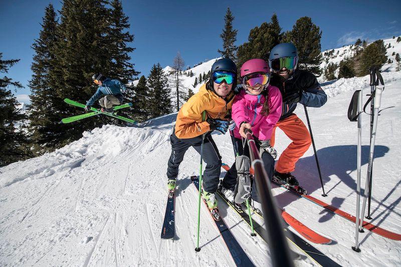 Event – ELAN Always Good Times Tour 2019/20: Beliebte Skitest-Tour kehrt in die Top-Skigebiete Europas zurück