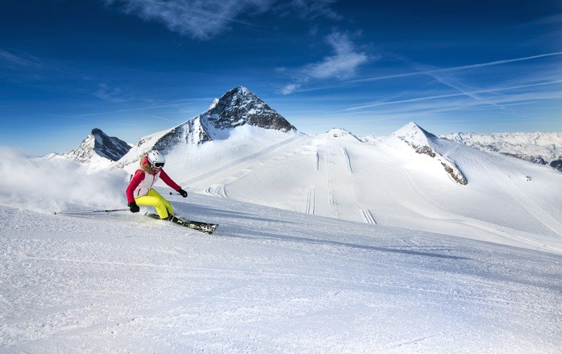 Winter – Ski- & Gletscherwelt Zillertal 3000: Immer der Sonne entgegen – Skifahren im Frühling in Tux–Finkenberg