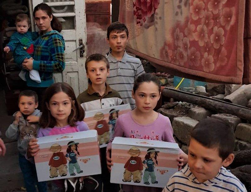 News – LOWA: Traditionsschusterei spendet über 3.000 Paar Schuhe an Hilfsprojekte