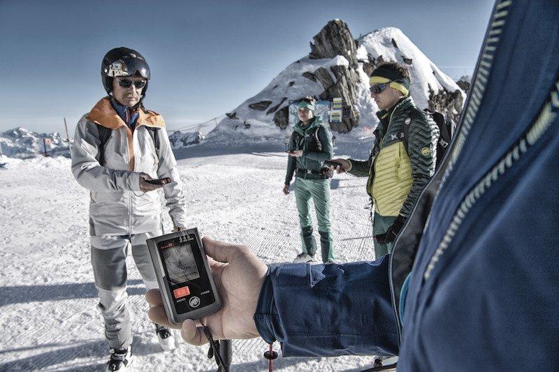 """Winter – Mammut Barryvox: Firmware Upgrade """"BarryHeart 3.2"""" für präzisere und schnellere Lawinensuche"""